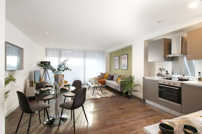 Flat for sale in Grand Union Canal, West Drayton