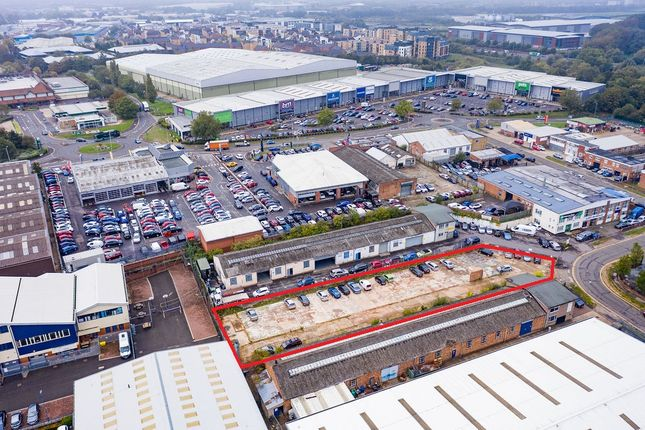 Thumbnail Industrial for sale in Reading