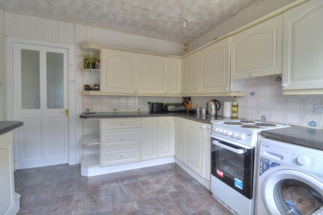 Kitchen of Baxter, Bingham Terrace, Dundee DD4