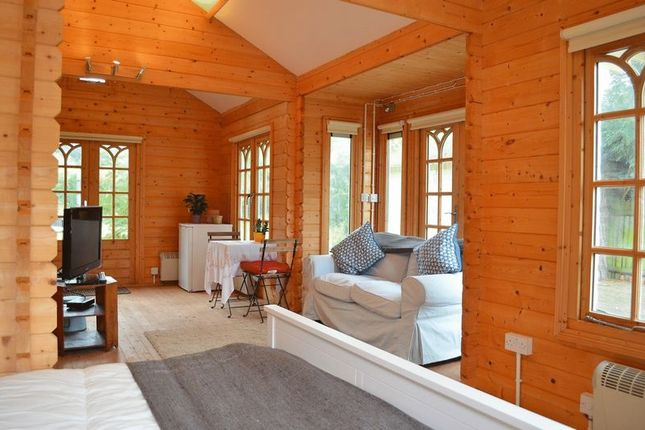 Thumbnail Lodge to rent in Cuddesdon Road, Horspath, Oxford
