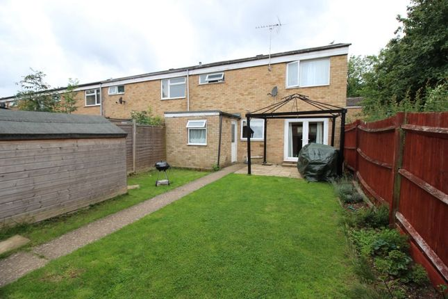 Thumbnail Terraced house to rent in Winchester Close, Stevenage