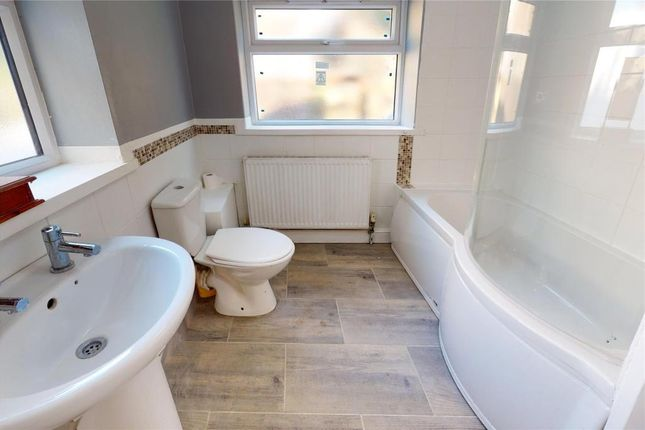 Bathroom of Mount Pleasant Road, Brixham, Devon TQ5