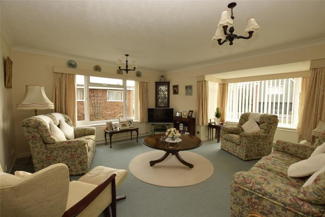 Thumbnail Flat for sale in Thornbank Crescent, Bexhill, East Sussex