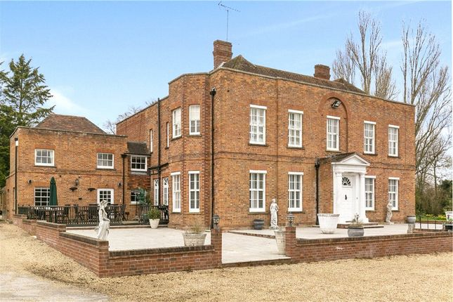 Thumbnail Detached house for sale in Bath Road, Hare Hatch, Reading