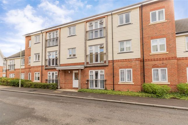 2 bed flat for sale in Hawthorns House, Willowbourne, Fleet GU51