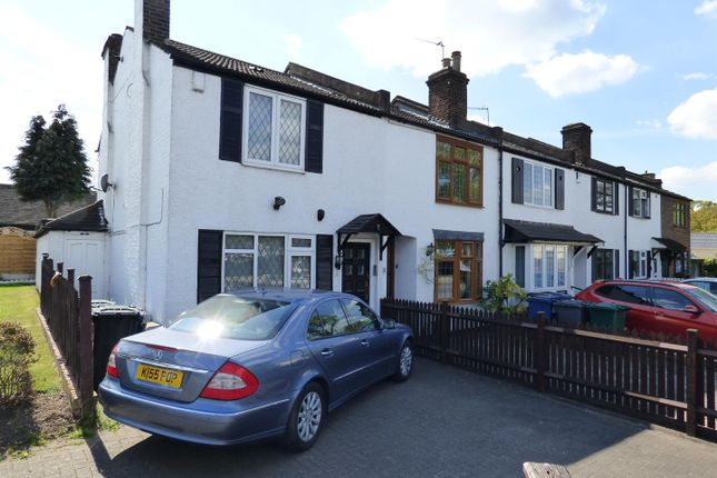 Thumbnail Cottage for sale in Barnet Lane, Elstree, Borehamwood