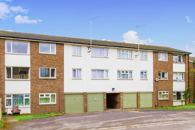 Thumbnail Flat for sale in Lowell Place, Witney, Oxfordshire