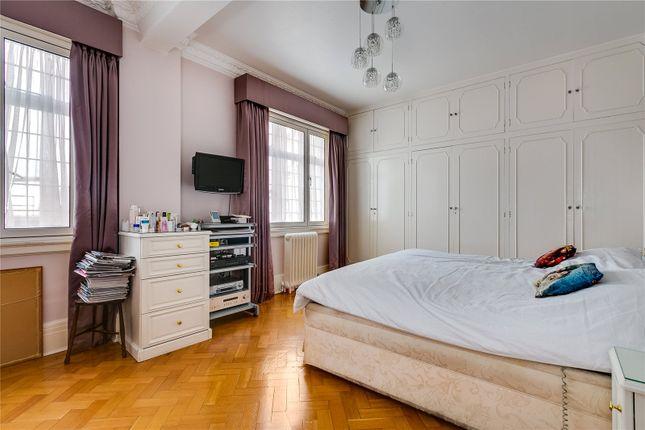 Bedroom of Chiltern Court, Baker Street, London NW1