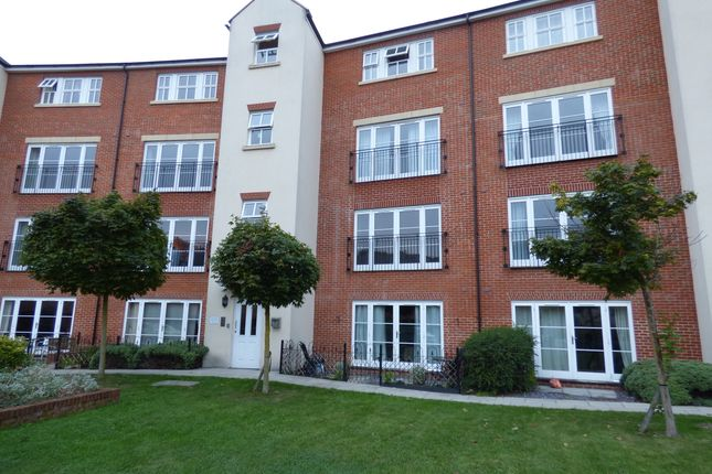 2 bed flat to rent in Mill Street, Wantage
