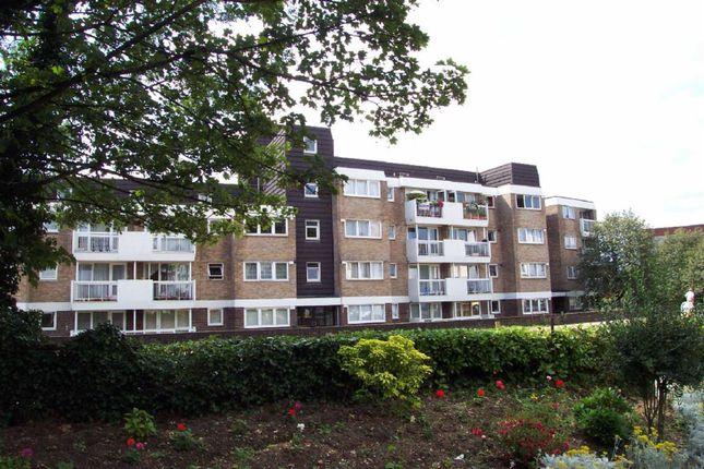 Studio to rent in Wynnstay, Oakhall Park, Burgess Hill RH15