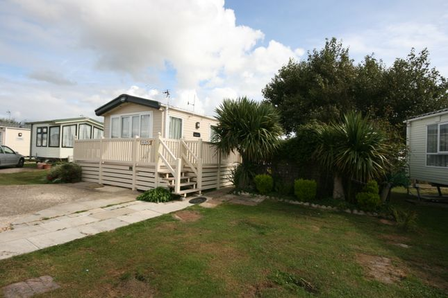Thumbnail Mobile/park home for sale in Teal Lane, Selsey