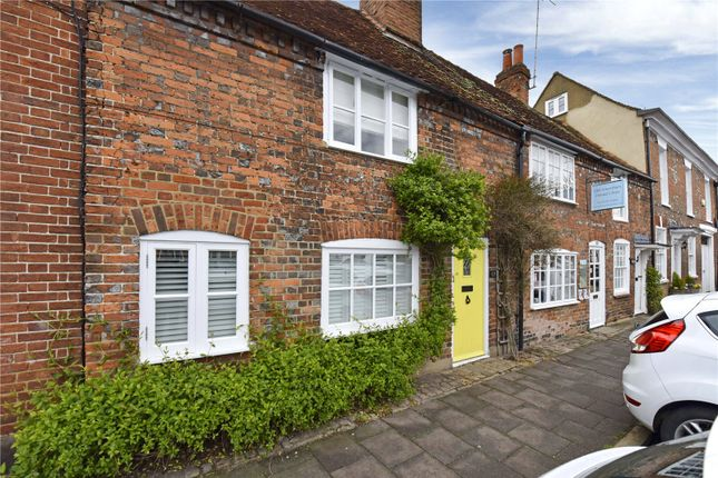 3 bed terraced house to rent in High Street, Amersham, Buckinghamshire HP7