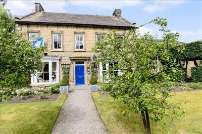 Thumbnail Hotel/guest house for sale in Bank Villa, The Avenue, Masham, North Yorkshire