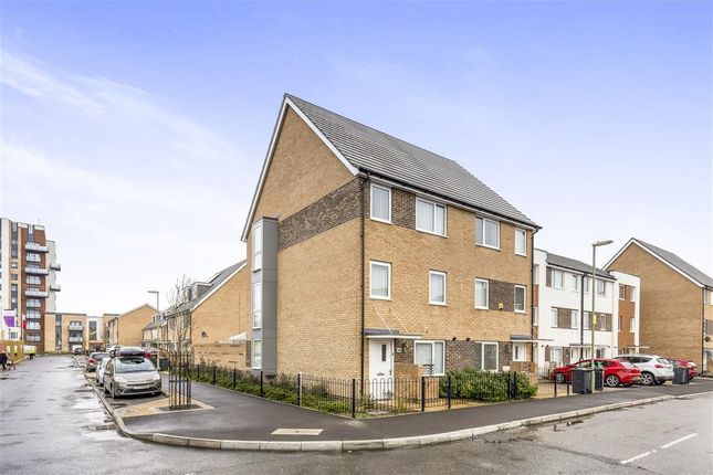 Thumbnail Town house for sale in Blanchard Avenue, Gosport