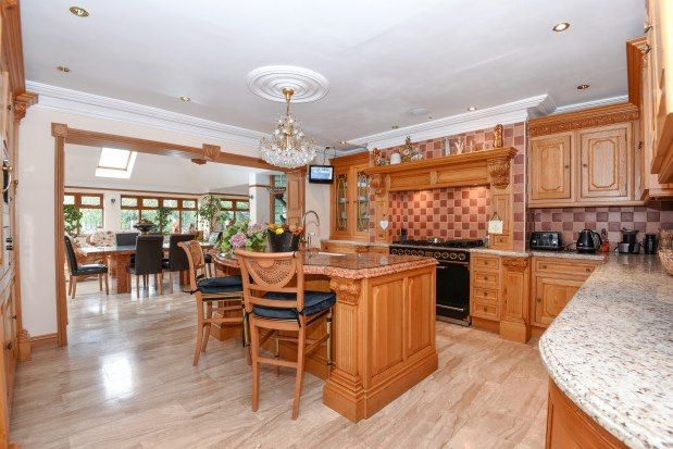 Thumbnail Property to rent in Spareleaze Hill, Loughton