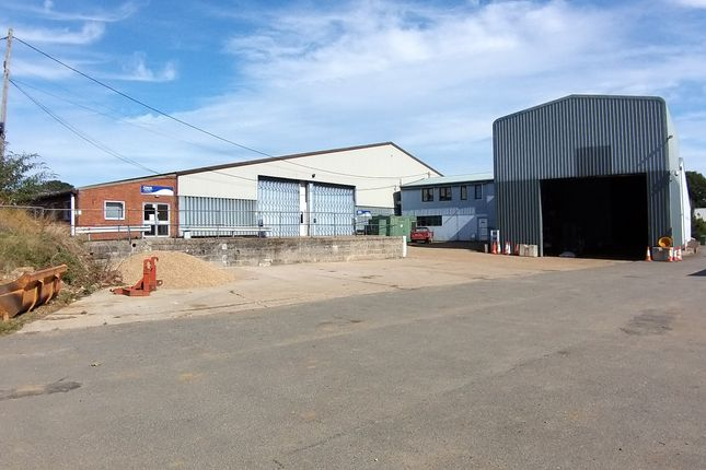 Thumbnail Warehouse to let in Hollow Lane, Washbrook