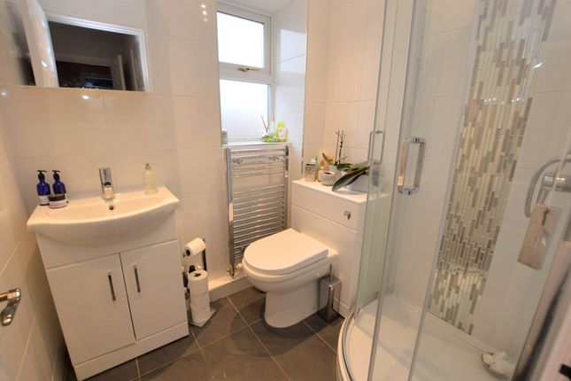 En-Suite of Kelbra Crescent, Frampton Cotterell, Bristol BS36