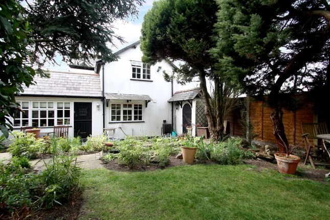 Thumbnail Cottage for sale in Kenilworth Road, Balsall Common, Coventry