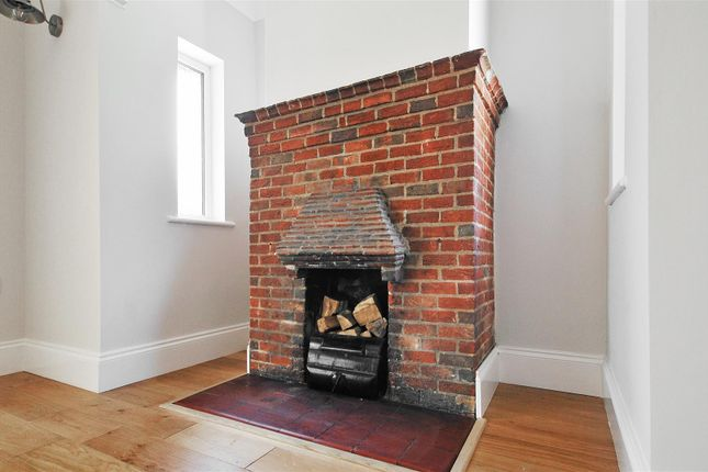 Fireplace of Courtlands Way, Worthing BN11