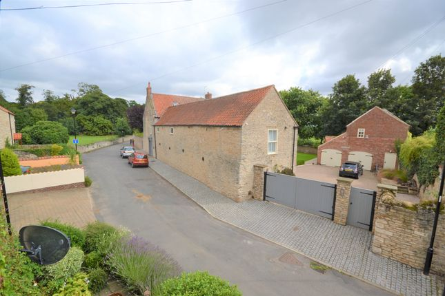 2 bed flat for sale in Dam Road, Tickhill, Doncaster DN11