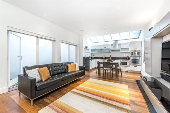Thumbnail Property to rent in St. Georges Square, London