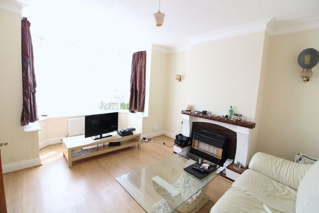 Thumbnail Property for sale in Old Bedford Road, Luton