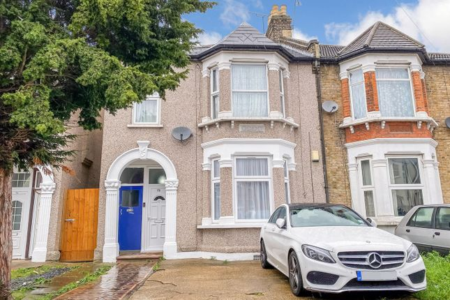 2 bed flat for sale in Balfour Road, Ilford IG1