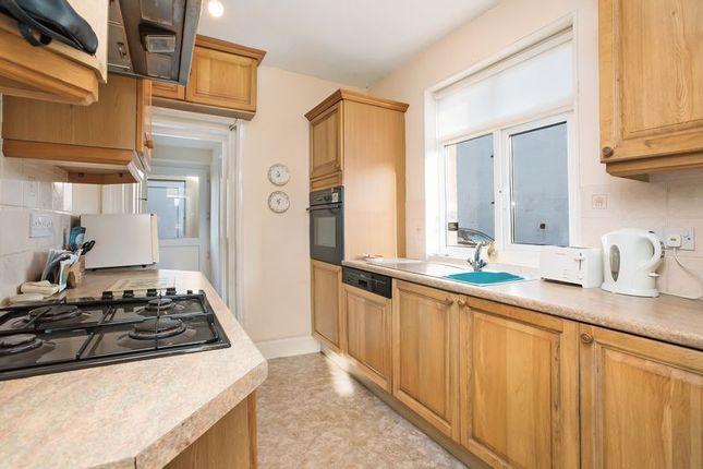 Kitchen of Bartows Causeway, Tiverton EX16
