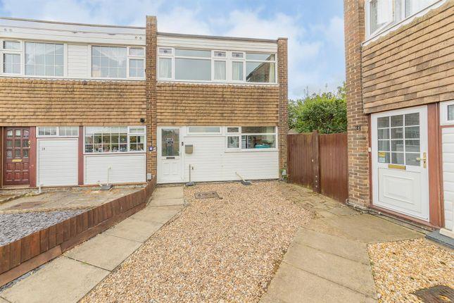 3 bed property for sale in Glebe Gardens, Harlington, Dunstable LU5