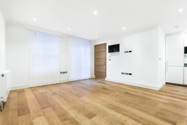 Thumbnail Mews house to rent in Shepherd Street, Mayfair, London
