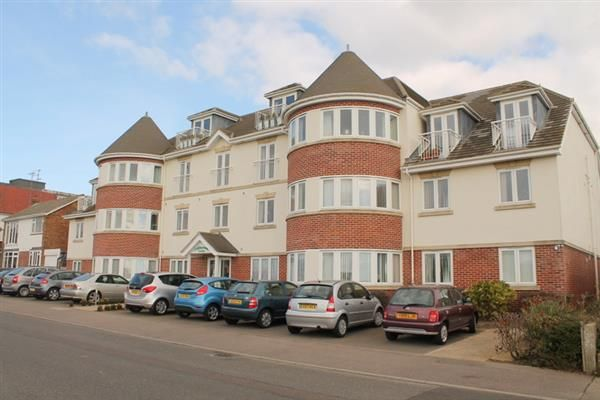 Thumbnail Flat for sale in Collingwood Green, Collingwood Road, Clacton On Sea
