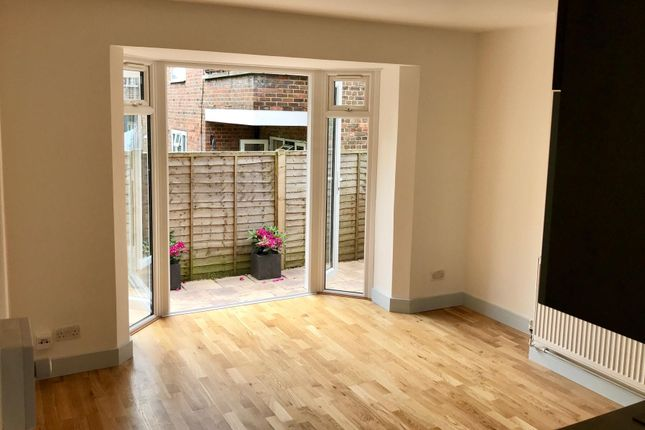 Living Room of Nailsworth Crescent, Merstham, Redhill RH1