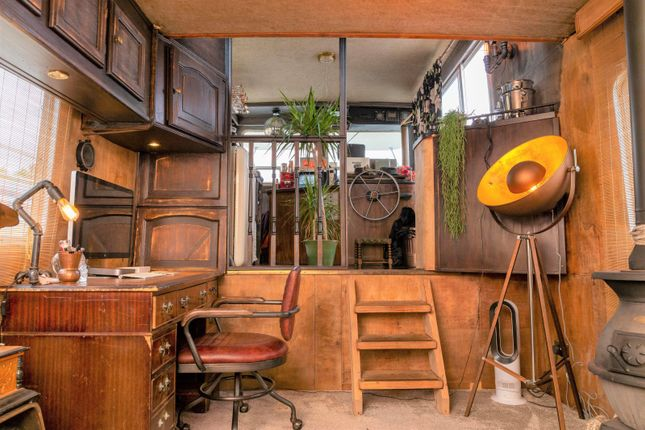 1 bed houseboat for sale in Rope Street, Rotherhithe SE16
