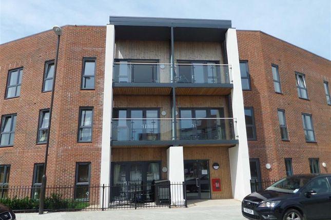 Thumbnail Flat to rent in Atlas Way, Oakgrove, Milton Keynes, Bucks