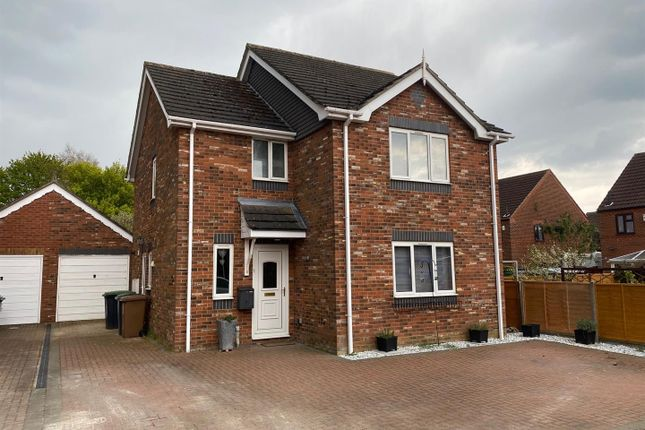 3 bed detached house for sale in Elmtree Road, Ruskington, Sleaford NG34