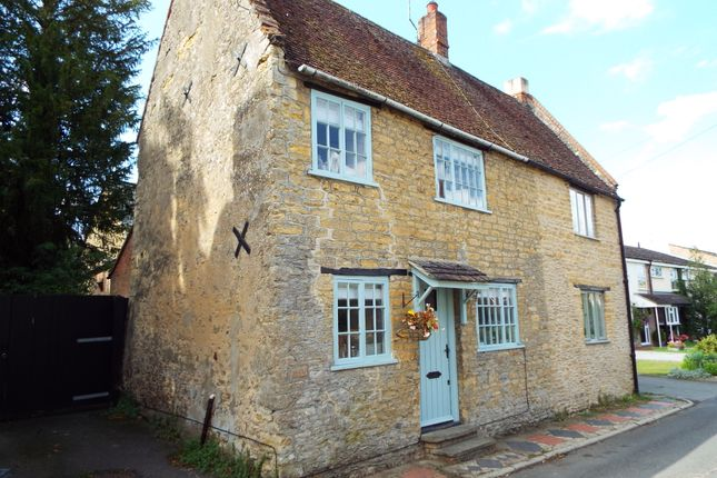 Thumbnail Cottage for sale in High Street, Carlton, Bedfordshire