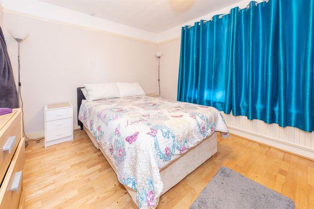 Bedroom 1 of Chiltern Road, Dunstable, Bedfordshire LU6