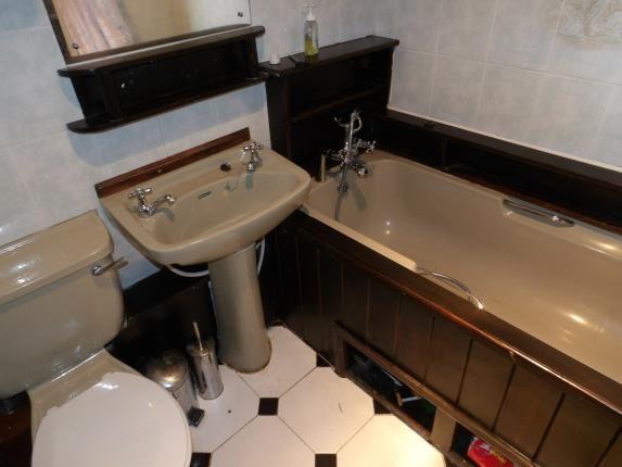 Bathroom of Cardinals Gate, Peterborough, Cambridgeshire PE4