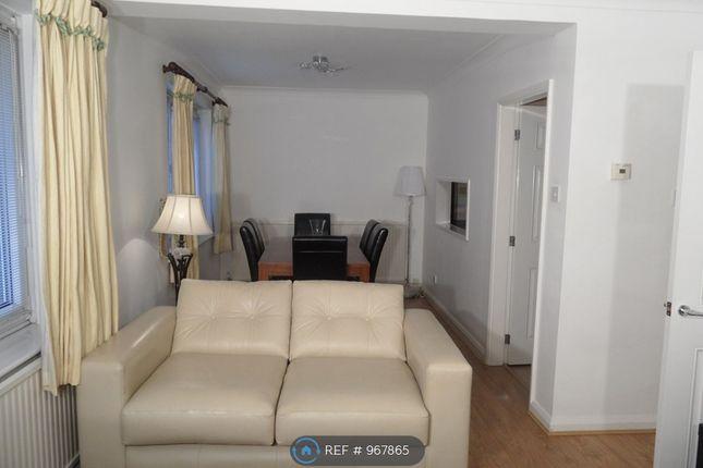 2 bed flat to rent in Woodville Court, Roundhay, Leeds LS8