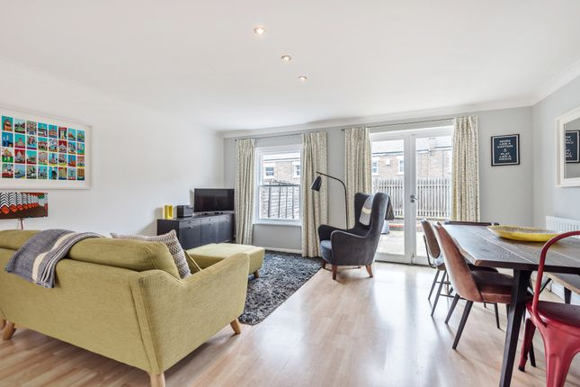 Thumbnail Detached house to rent in Heralds Place, London