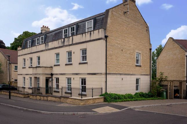 Thumbnail Flat to rent in Eveleigh Avenue, Bath