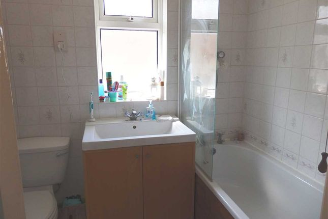Bathroom of Meadowlands, Kirton, Ipswich IP10