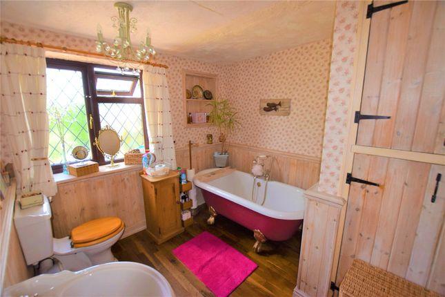 Bathroom of Beacon Way, Skegness, Lincolnshire PE25