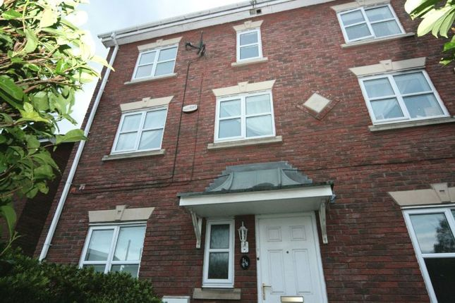 Thumbnail Town house to rent in Manor Avenue, Sale