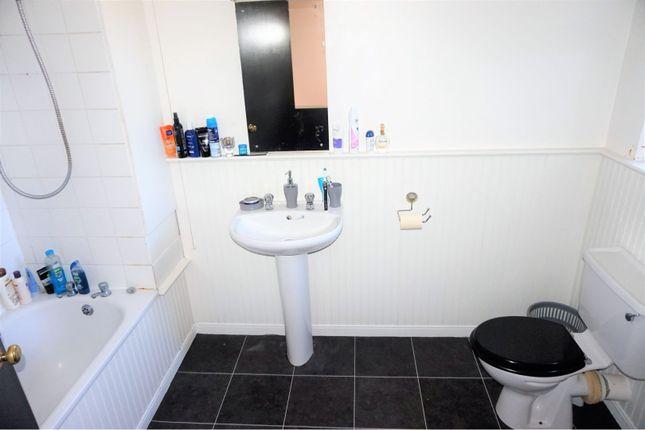 Bathroom of Gladstone Terrace, Ballyclare BT39