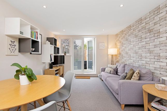 Thumbnail Property to rent in Coombe Lane, London