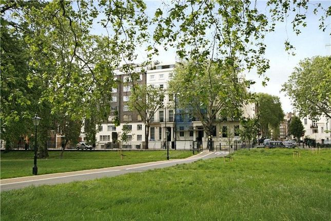Flat for sale in 4-5 Hyde Park Place, London