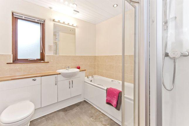 Bathroom of Cedar Grove, Broughty Ferry, Dundee DD5