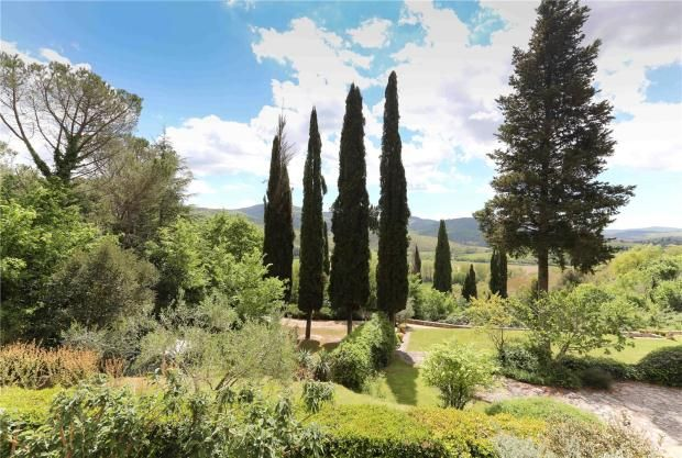 Picture No. 02 of La Palazzina, Mercatale, Tuscany, Italy