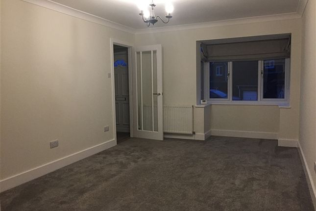 Thumbnail Detached house to rent in Blackgates Cres, Tingley, Wakefield